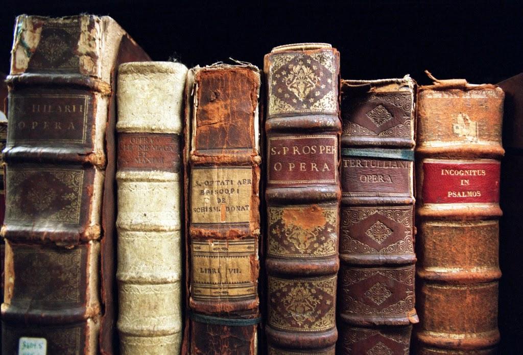 Ένα νέο, επαναστατικό προϊόν, το τυπωμένο βιβλίο! (funny video)