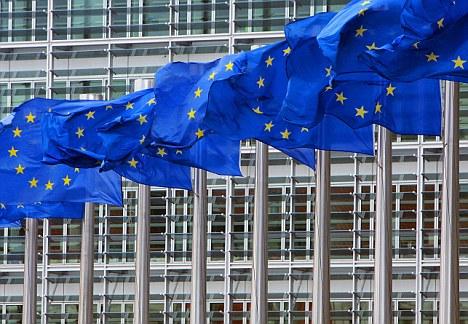 Η Ευρωπαϊκή Επιτροπή εισβάλλει στα γραφεία Ευρωπαίων εκδοτών ερευνώντας για καρτέλ τιμών στα ebooks