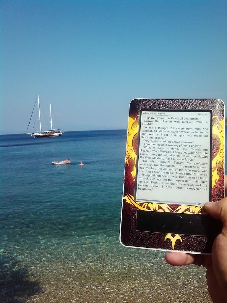 Με τους ebook readers στις παραλίες – φωτό (μέρος 4ο)