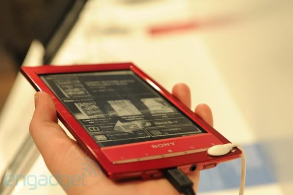 Ο Sony Reader PRS-T1 έχει λειτουργικό Android και τα πρώτα hands-on video