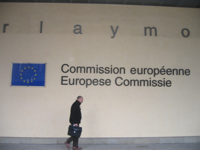 Επίσημη έρευνα για καρτέλ τιμών στα ebooks ξεκινά η Ευρωπαϊκή Επιτροπή ενάντια σε 5 μεγάλους εκδότες και την Apple