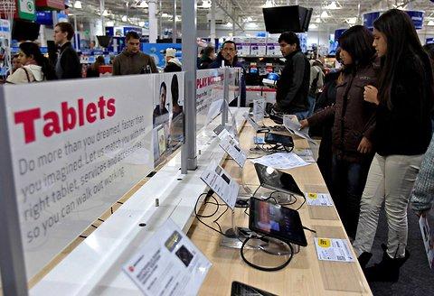 Σχεδόν 1 στους 3 Αμερικάνους έχουν πια tablet PC ή e-<span class=