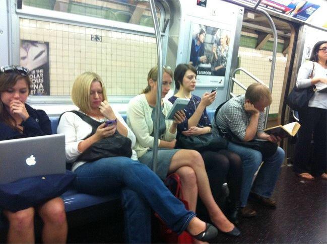 Έρευνα: πες και συ τη γνώμη σου για τα ebooks